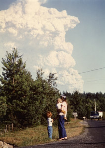 1980-07-22 Mount Saint Helens eruption from Scott Lake